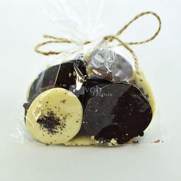 Villa General Belgrano - Süss - Bolsa de Chocolate Artesanal Negro con Leche, Negro Amargo y Blanco, con Almendras Avellanas y Maní 3