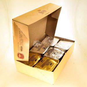 Villa General Belgrano - Süss - Caja de 12 Alfajores de Dulce de Leche Cubiertos de Chocolate Negro, Blanco y Glaseados