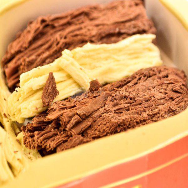Villa General Belgrano - Süss - Chocolate Artesanal en Rama Negro y Blanco 200 gr 2
